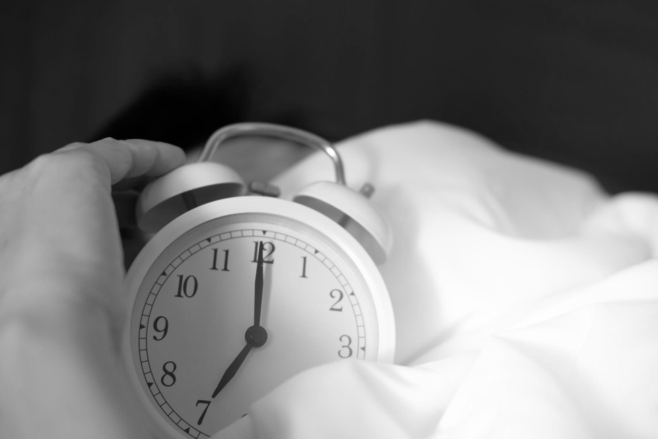 The Best Alarm Clock For Heavy Sleepers - TrueWellnyss