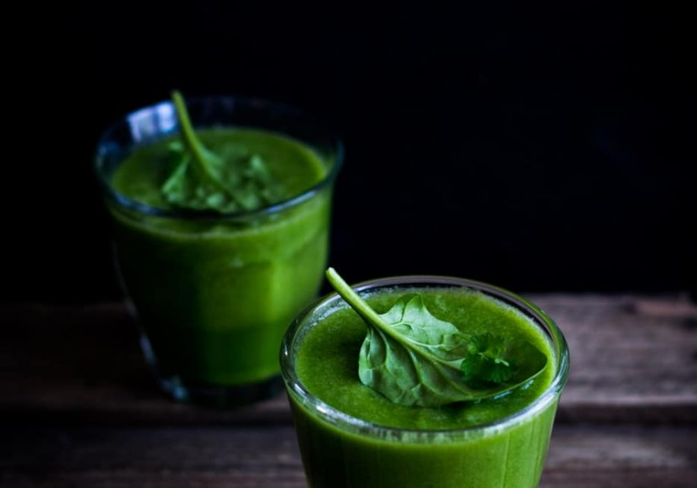 Avocado, Spinach And Flax Smoothie